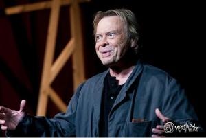 """Das Ernst Deutsch Theater zeigt noch bis 5. November 2011 """"Heute weder Hamlet"""" mit Volker Lechtenbrink in Höchstform"""