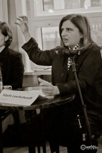 Sibylle Lewitscharott verleiht ihren Figuren Leben. Foto: Anders Balari