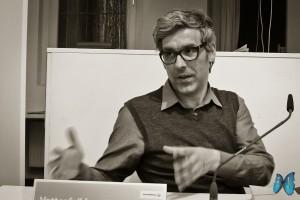 """Mathias Gatza berichtet von seiner Recherche für """"Der Augentäuscher"""". Foto: Laila Mahfouz"""