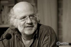 """Lesung mit Frank Schulz im Paschen Literatursalon und Rezension seines Romans """"Onno Viets und der Irre vom Kiez"""""""