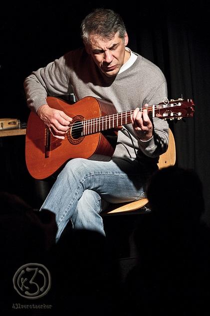 """Mehmet Ergin ist nicht nur ein hervorragender Gitarrist, er mischte und masterte auch die CD """"Infinita"""". Foto: Anders Balari"""