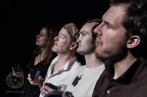 """Vorschau: """"8 Stunden oder The delayed flight"""" – eine Uraufführung der besonderen Art im Theater in der Washingtonallee"""
