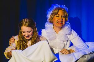 """Vorschau: Das kleine Hoftheater in Hamburg-Horn zaubert """"Frau Holle"""" auf die Weihnachtsmärchenbühne"""