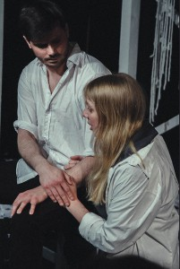 Verzweifelt: John und Elizabeth Proctor (Foto: Anders Balari)