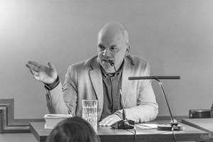 Frank Witzel berichtet von der Arbeit am seinem Lebenswerk (Foto: Anders Balari)