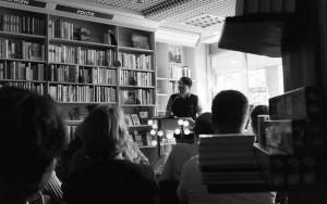 Saša Stanišić liest in der Buchhandlung Christiansen aus seinem Erzählband »Fallensteller« Foto: Laila Mahfouz