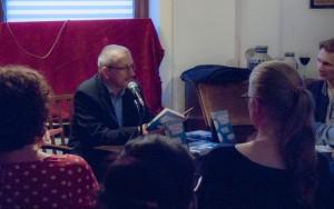 Maximilian Buddenbohm las seine Erzählung »Im Jahr der Kolibris« (Foto: Laila Mahfouz)