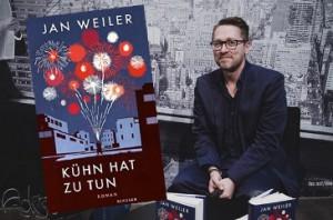 Rezension zu Jan Weilers Roman »Kühn hat zu tun« – als Hörbuch ungekürzt gelesen vom Autor selbst